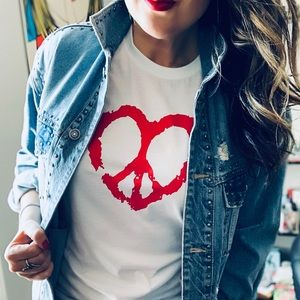 Tops - Peace and love heart graphic tee t-shirt New!